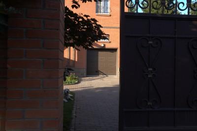 Подъемно-секционные филенчатые ворота Дорхан д.Ольгино 65000 руб