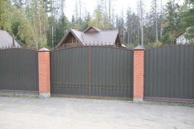 Откатные ворота с элементами ковки СНТ Бытовик